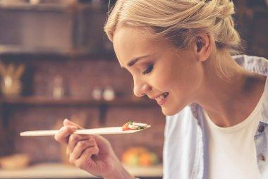 The link between zinc deficiency and taste perception.