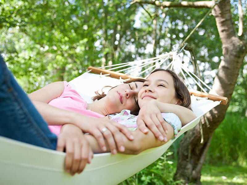 How to help your kids sleep well during summer