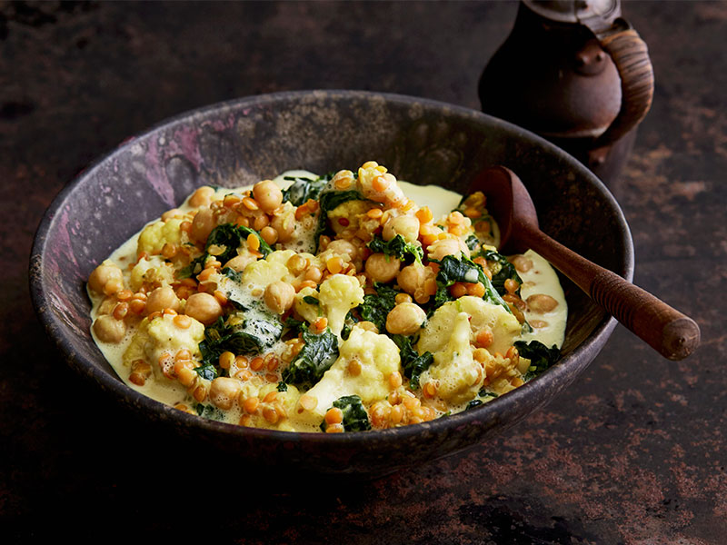 Cauliflower, Spinach and Chickpea Curry Recipe