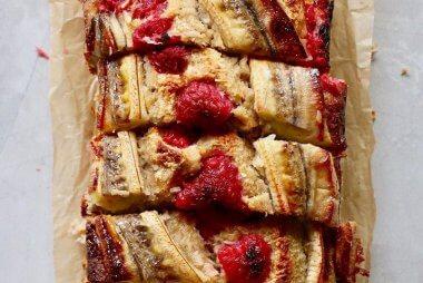 banana raspberry loaf