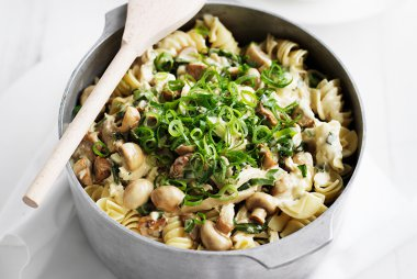 Chicken, Feta and Mushroom Pasta